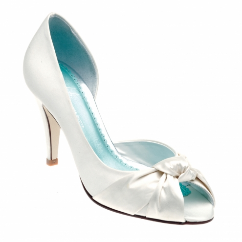 something blue wedding shoe Photo Credit CrystalBridalAccessoriescouk