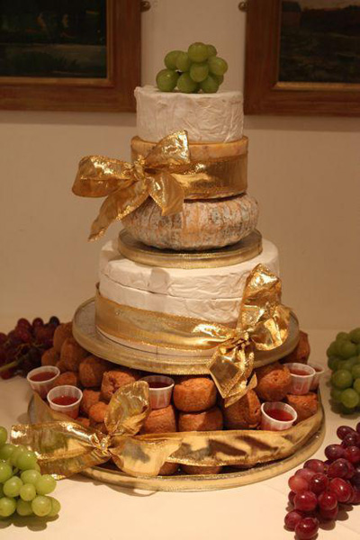 wedding cakes made of cheese