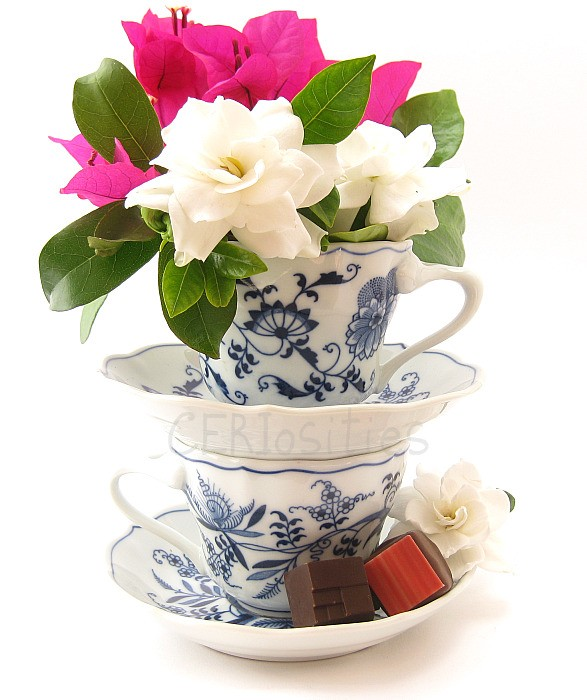 how to make floating cup and saucer flower arrangement