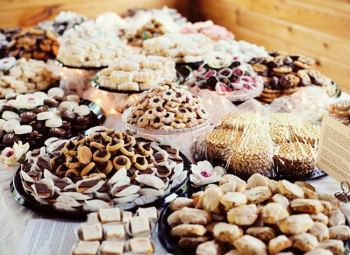 wedding cookie buffet