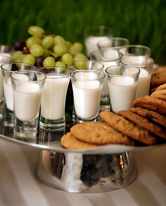 wedding milk and cookies
