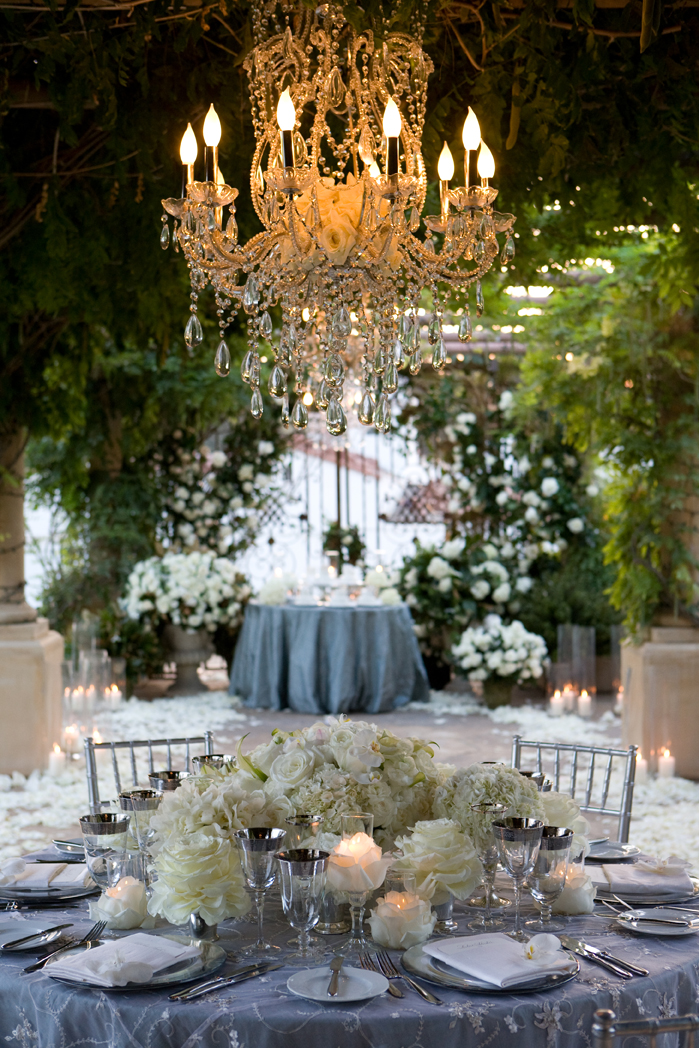 Crystal Chandeliers: Extravagant Wedding Decor