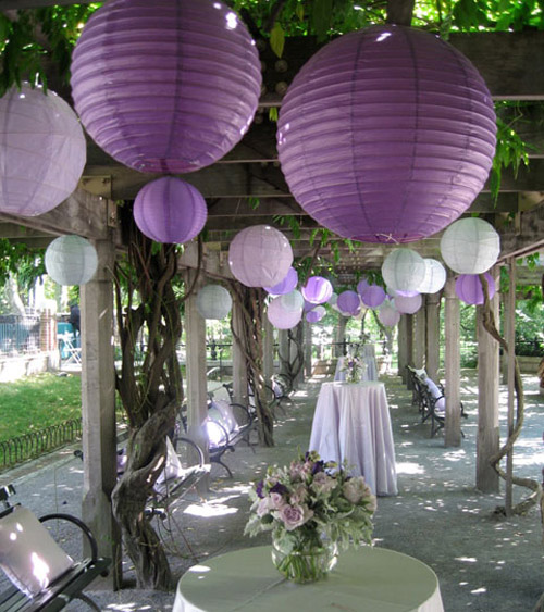 Wedding decor paper lanterns from luna bazaar for Lanterne deco exterieur