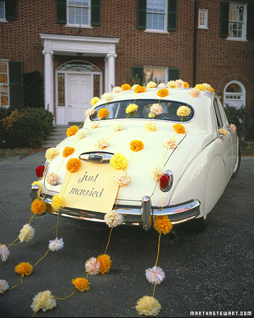 pom pom just married car