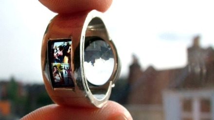 0729-projecting-ring-by-day_we
