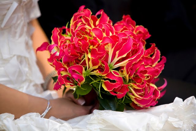 wedding blogs  gloriosa lilies in your wedding
