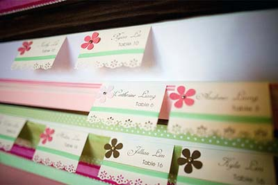 ribbon escort card displays