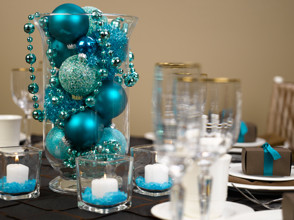 Diy beautiful but simple centerpieces diy project for Decoration de table bleu turquoise