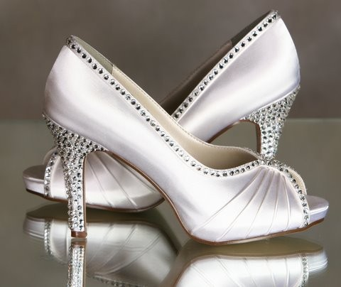 diamond wedding shoes Photo Credit Parisxox