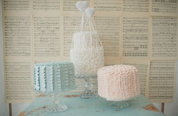 ruffle wedding cakes
