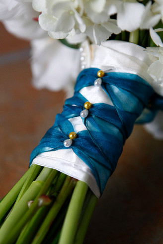 blue bouquet ribbon