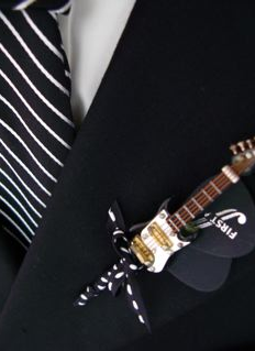 guitar boutonniere