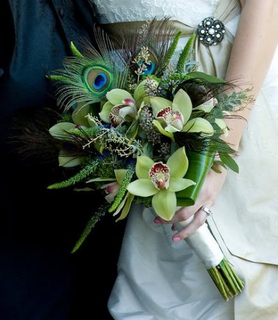peacock bridal bouquet Photo credit Manolo Brides