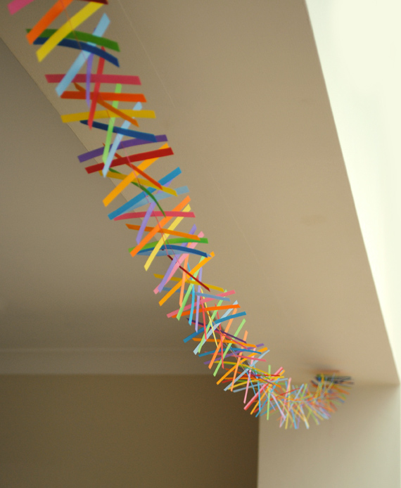 diy paper strip garland
