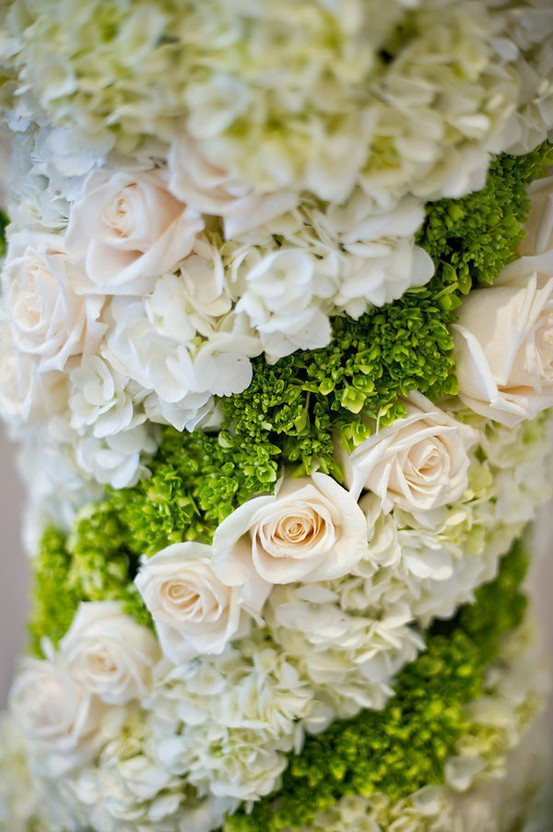 white green wedding flowers