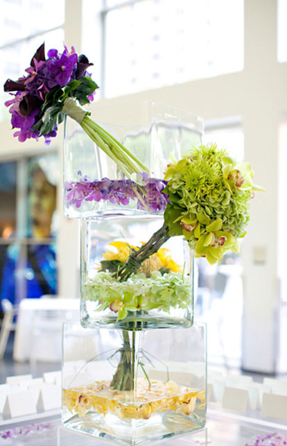 Art museum worthy floral wedding centerpieces for Contemporary table centerpieces