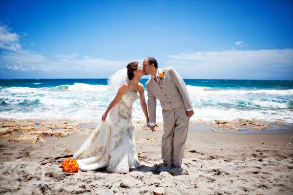 Beachy Seaside Chic Weddings