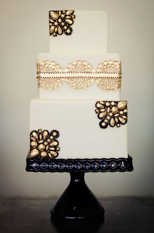 metallic wedding cake details