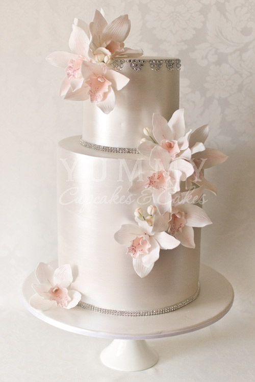 silver metallic wedding cakes