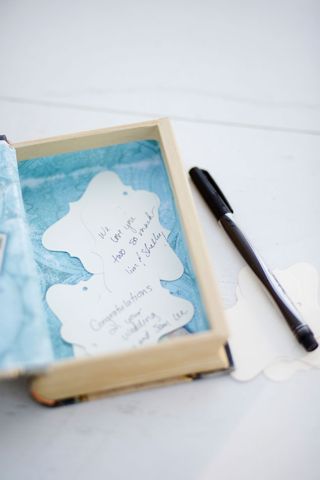 Note Tag Guest Book