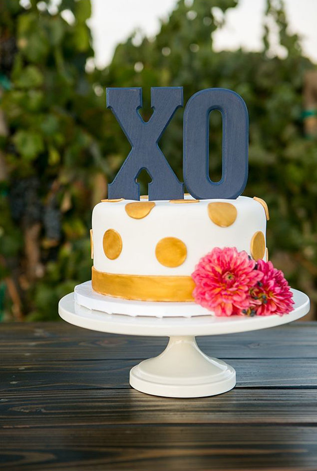 XO Wedding Cake