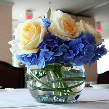 What Wedding Flowers Come In Blue