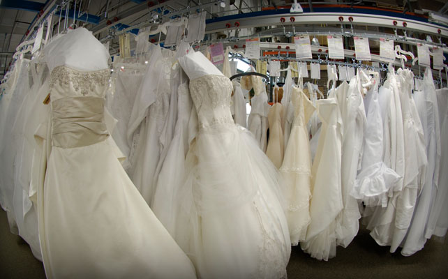 Photo Source Wedding Gown Preservation Kitpin It